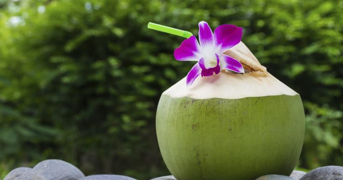 7 Benefits of Coconut  Water You Didn't Know About